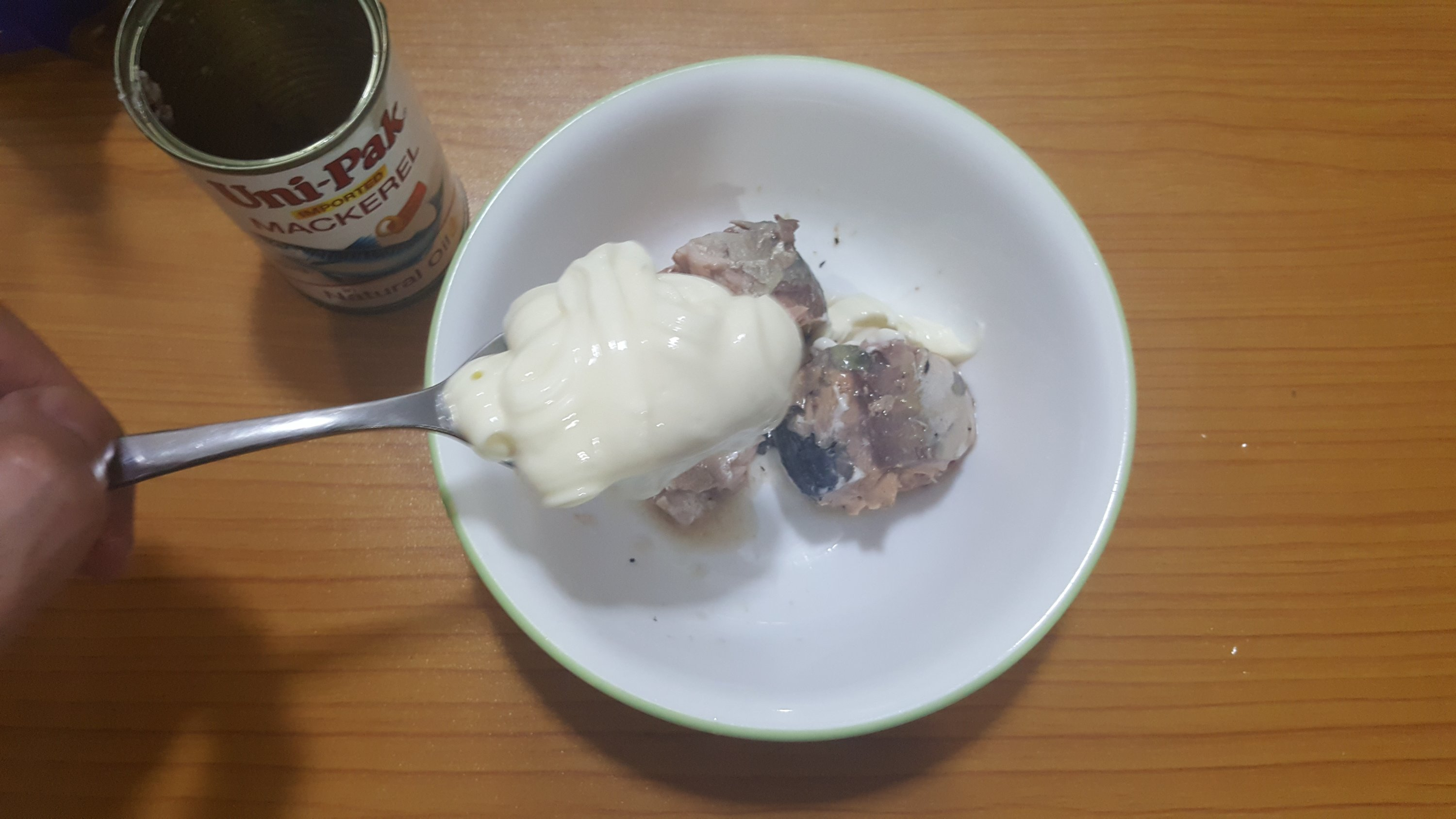 Mix the Mackerel meat with two tablespoons of mayonnaise..jpg